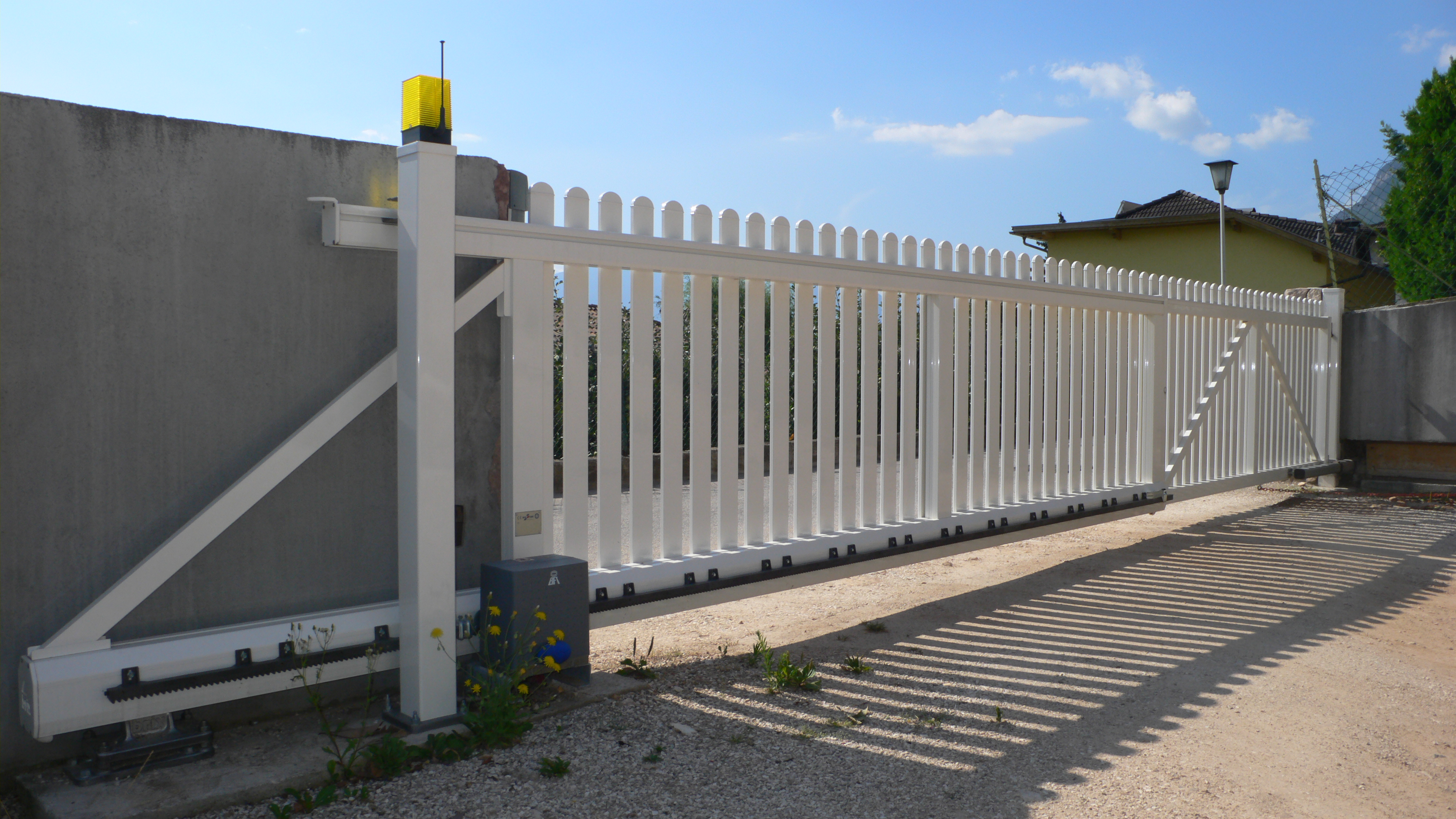 Dh Metall Zaune Tore Gelander Balkone Sichtschutz Brix